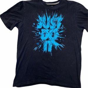 NIKE Men's Paint splattered Logo shirt.